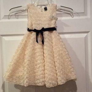 NWT Girls Dress 👗 3years